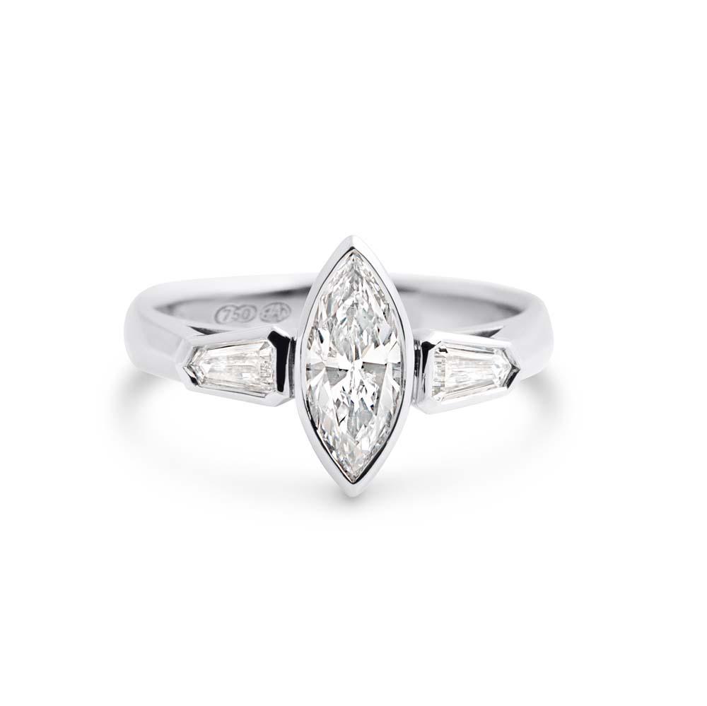 Brett's Jewellers 18ct white gold diamond ring 4