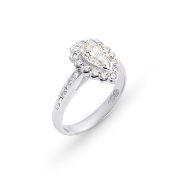 Brett's Jewellers 18ct white gold diamond ring 5