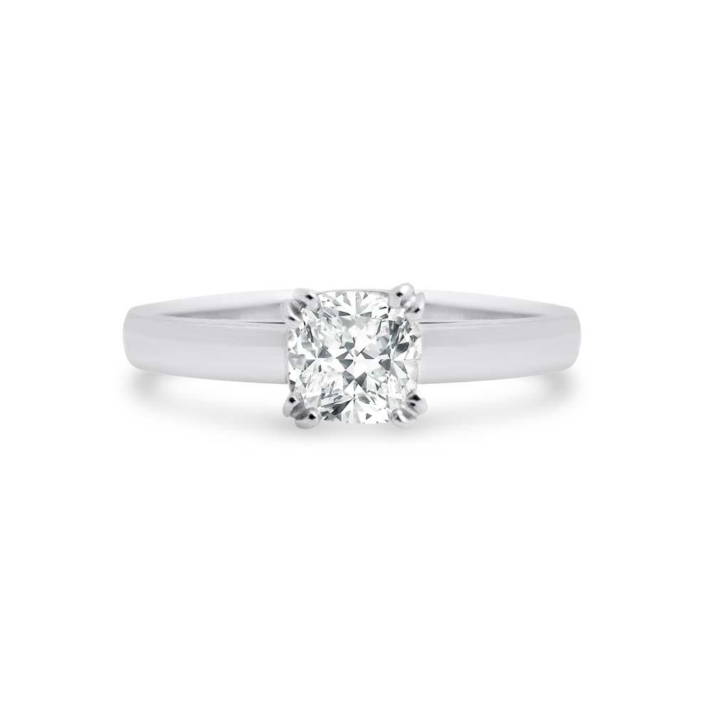 Brett's Jewellers 18ct white gold diamond ring 8