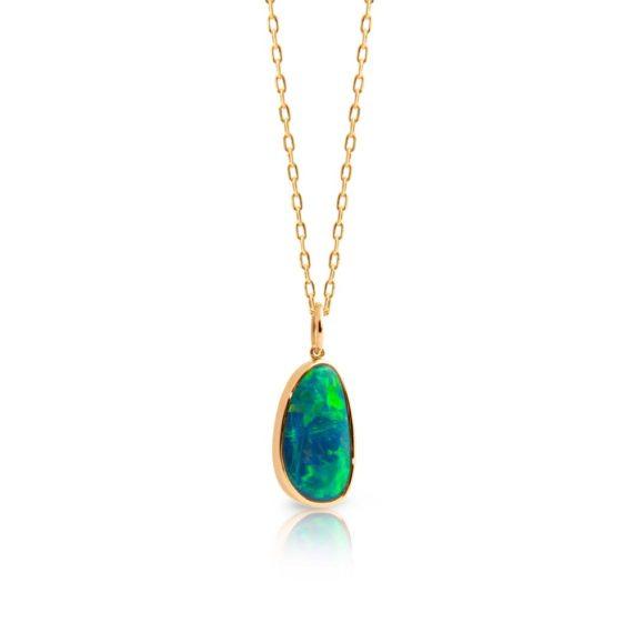 Brett's Jewellers Yellow gold opal pendant & chain